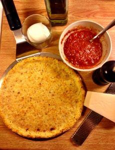 Cauliflower pizza crust/ Pizzabotten gjord på blomkål