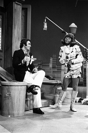 4543-4 THE FLIP WILSON SHOW BURT REYNOLDS,FLIP WILSON CIRCA 1971 NBC