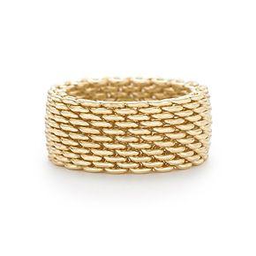 Anillo Tiffany Somerset™ en oro de 18k, ancho.