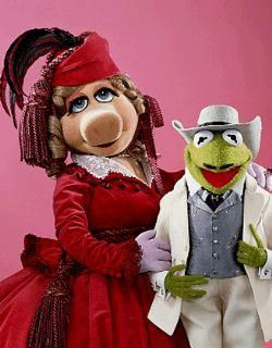Miss Piggy and Kermit the Frog as Scarlett and Rhett - GWTW