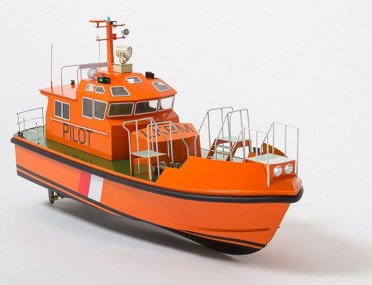 Aeronaut Pilot Model Boat Kit - Suitable For Radio Control