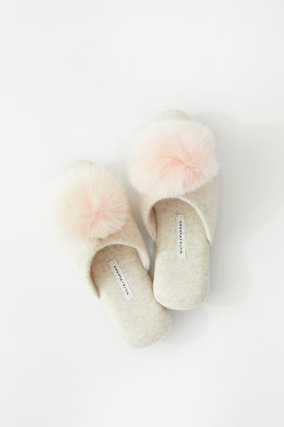 130326455 White + Warren Fur Pom Pom Slipper | Random Wish List | Shoes, Slippers, Fur  pom pom