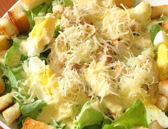 Куриный салат с гренками 10