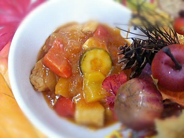 200kcalメニューです 鶏肉を油で揚げないのでカロリーが抑えられます - 36件のもぐもぐ - ズッキーニのトマト酢鶏 by houzantei