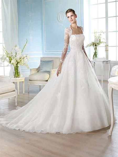Свадебное платье с испанскими рукавами