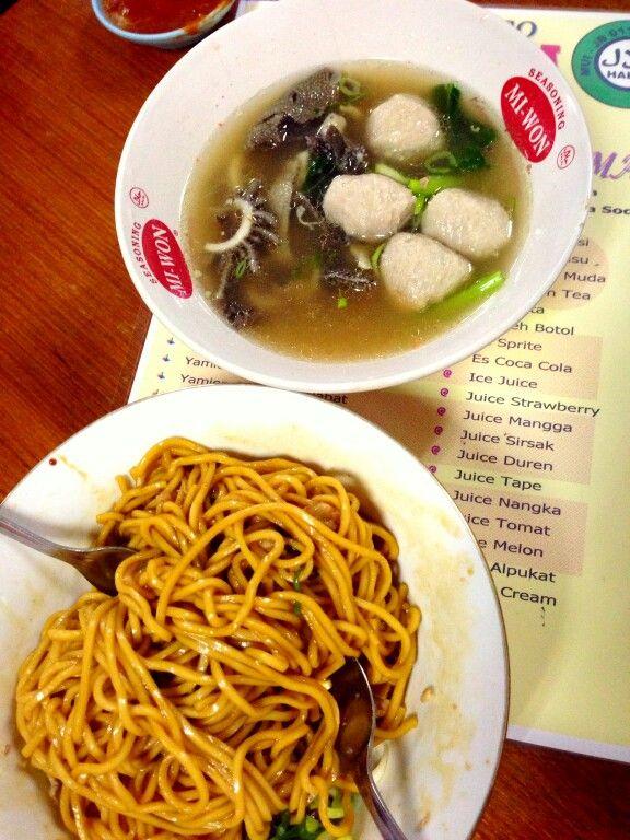One of jakarta's favourite noodles bakmi yamin: Sweet noodles & meatball. Yummy