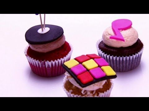 Here's the Cupcake Wars episode the two Iowa gals are on ~  Ames Cupcake Emporium, Tawnya Zerr &  Creme Cupcake + Dessert, Christina Moffatt (DesMoines) ~ Check it out!