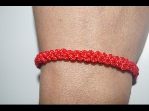 Esta pulsera esta hecha con nudos corredizos. Con estos nudos puedes hacer cinturones, cuerdas, etc... Si te ha gustado el vídeo compártelo, dale a like y SU...