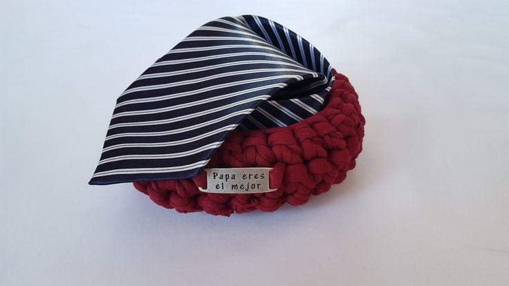 Corbata rayas marino, regalo para hombre, regalo dia del padre, regalo navidad, cesta regalo handmade de mamitOregalos en Etsy