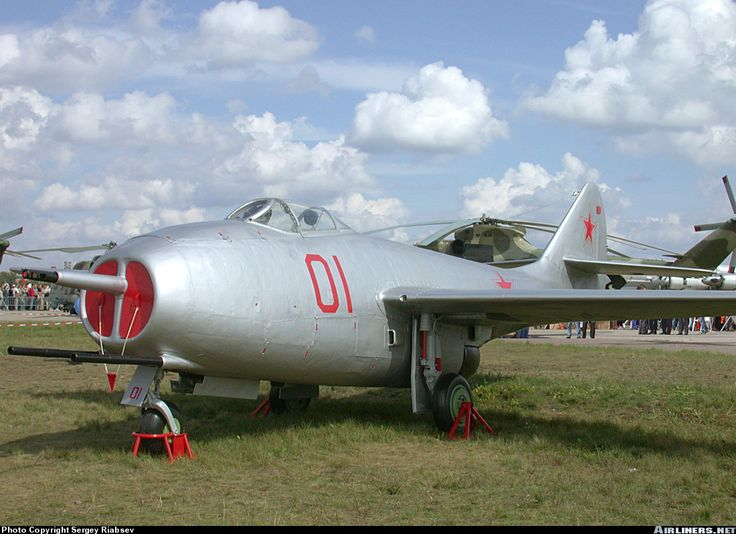mikoyan gurevich mig 9 one of the first of soviet jet planes at
