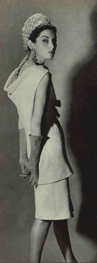1962 Dior                                                                                                                                                                                 Más