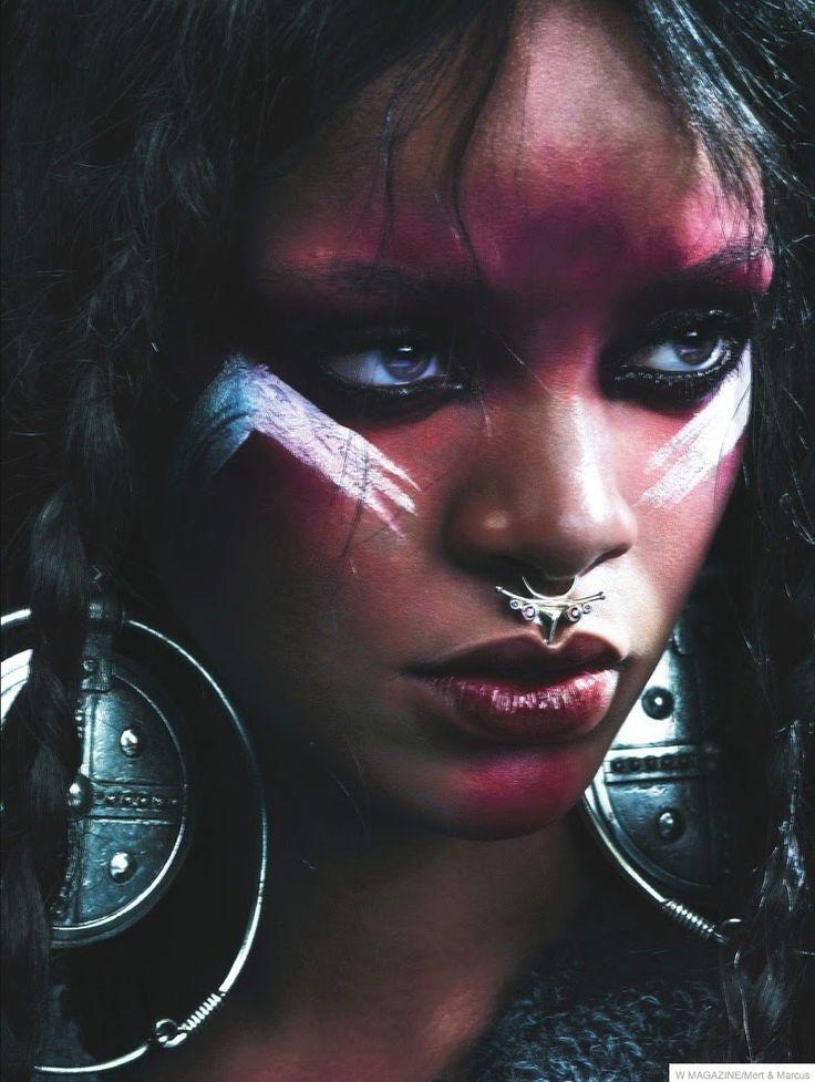 Fantasy Fashion Design: Rihanna, al más puro estilo salvaje viste diseños de piel para W Magazine