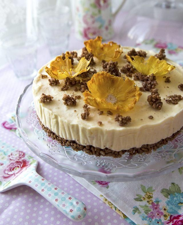 Tee itse jäätelökakku. DIY icecream cake.   Unelmien Talo&Koti Kuva ja resepti: Sini Visa