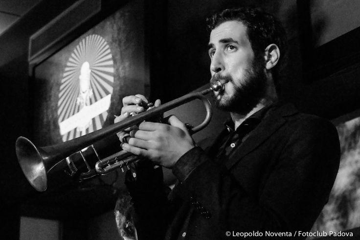 Roberto Gatto 4et, The Untouchables (Bassano), venerdì 13 novembre.  Scatto di Leopoldo Noventa per Fotoclub Padova.