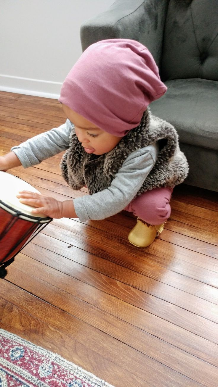 Canadian made bamboo children's clothes. Children's fashion. Baby girl. Mixed Baby. Lil Slouchies