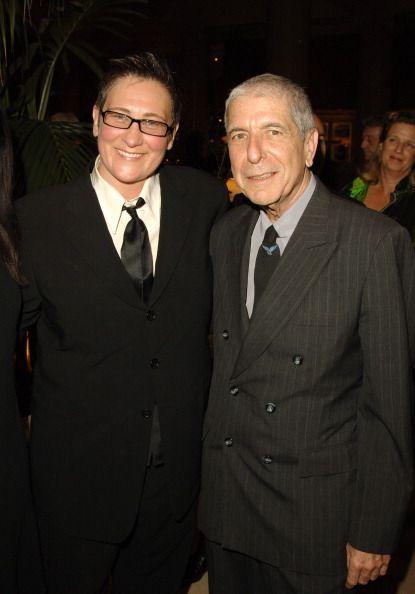 kd lang en Leonard Cohen Tijdens Canadese Songwriters Hall of Fame 2006 Inductees Welkom Diner in Le Royal Meridien King Edward in Toronto, Ontario ...