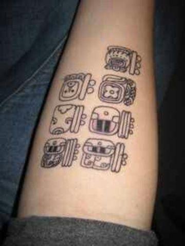 Significativos Y Simbolicos Tatuajes De Numeros Mayas Tatuajes En