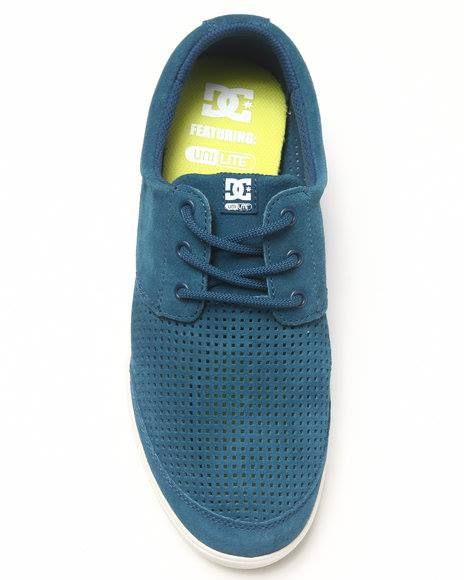 Zapatilla Deportivo DC Shoes 100 % ORIGINAL Precio S/ 249.00 soles Características: - Construcción de gamuza perforada - Suela de goma durable - Suela de goma resistente para una tracción óptima