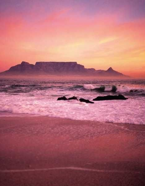 Table Mountain, Cape Town, South Africa. BelAfrique - your personal travel planner - www.BelAfrique.com