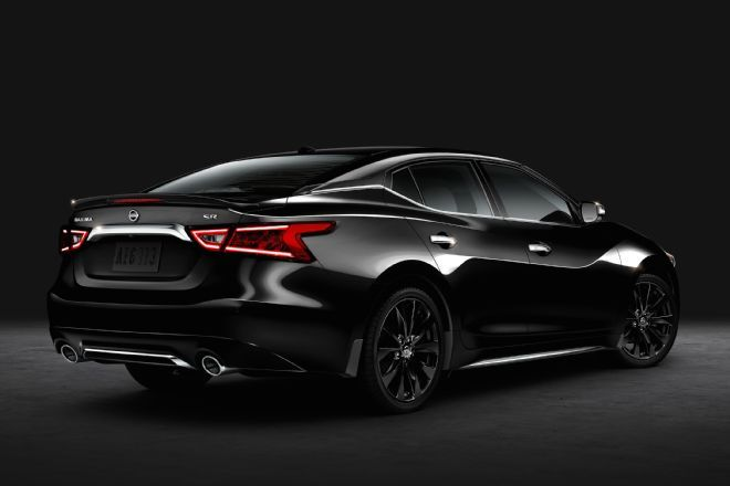 2016 Nissan Maxima SR Gains Sinister Midnight Package