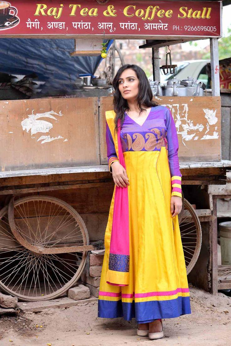 #Designer @Sadan Pande romances wid #Colours in his latest #Collection 'Rang Rasiya'