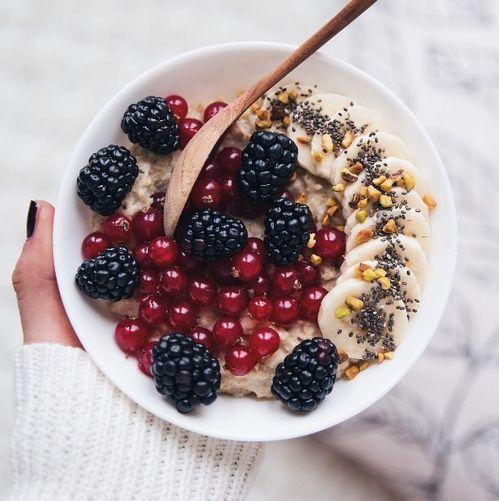 Le matcha bowl aux fruits d'Amélie