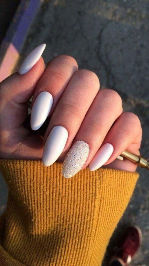 White Oval Acrylic Nails Acrylicnails Acrylicnaildesigns Acrylicnailart Nailart Nails Nailsofinstagra Oval Acrylic Nails Nail Colors Acrylic Nail Designs