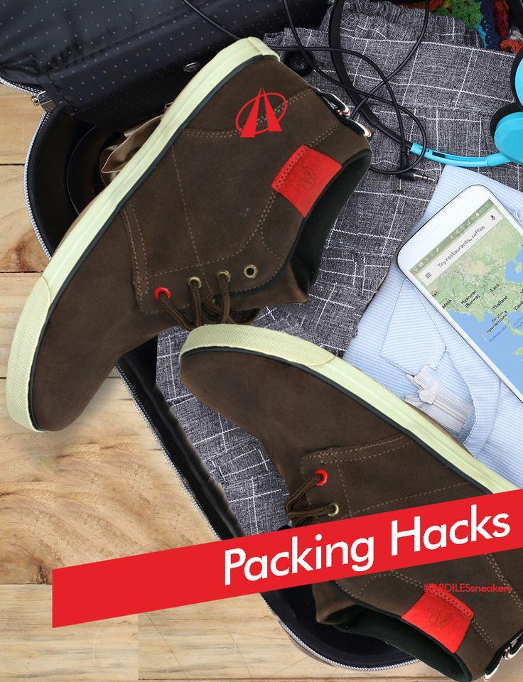 Ardiles Sneakers Lovers, jika kamu ingin liburan praktis, kita bisa lihat tips praktis para backpacker saat packing.  + SEPATU Cara mengemas sepatu. Gulung kaos kaki dan selipkan ke dalam lubang sepatu. Masukkan sepatu pada plastik transparan kemudian letakkan di bagian paling bawah koper/tas. + PAKAIAN Lebarkan pakaian menjadi bentuk aslinya (namun tetap dikancingkan). Gulung baju dari bawah ke atas dan tata gulungan baju sesuai ukuran koper. Kamu sudah siap bepergian.  www.ardilessneaker