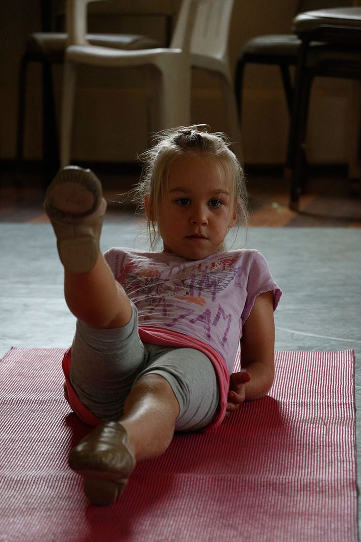Unicorns dance classes for kids at Melbourne.  Dancing helps children improve their posture, coordination and balance.