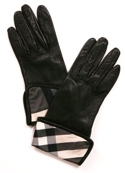 BURBERRY LONDON GLOVES - These are an instant reminder of my aunts amazing closet! #shopburberrylondon