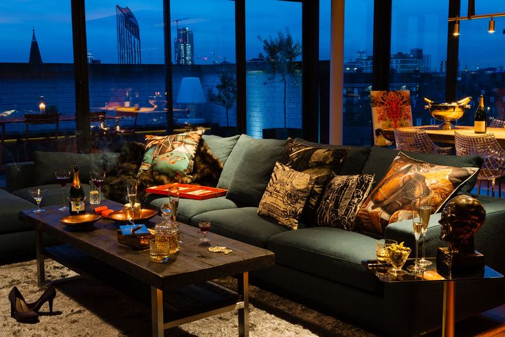 Night and Day Bermondsey Penthouse in London by Daniel Hopwood - CAANdesign