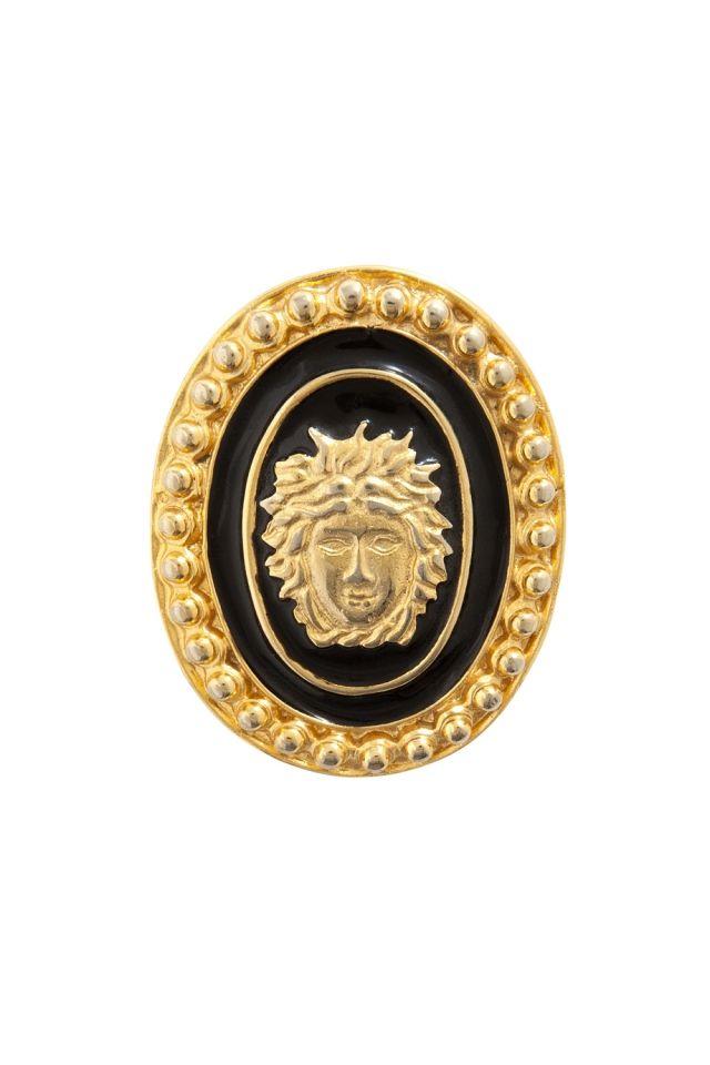 Винтажная брошь (90-е) Gianni Versace - Винтажная эмалированная брошь с изображением Медузы Горгоны была создана в 90-е годы легендой итальянской моды Джанни Версаче в интернет-магазине модной дизайнерской и брендовой одежды