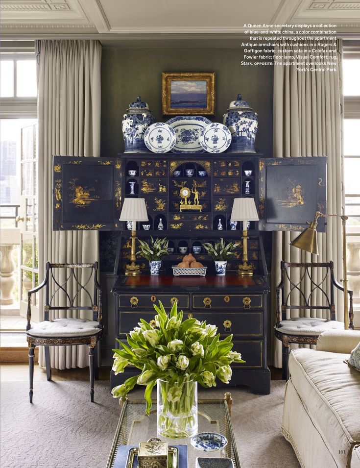 Chic Chinoiserie New York Apartment. Cathy Kincaid Beautifully Styled This  Blue And White Collection In An Antique Queen Anne Secretary Featured In  The ...