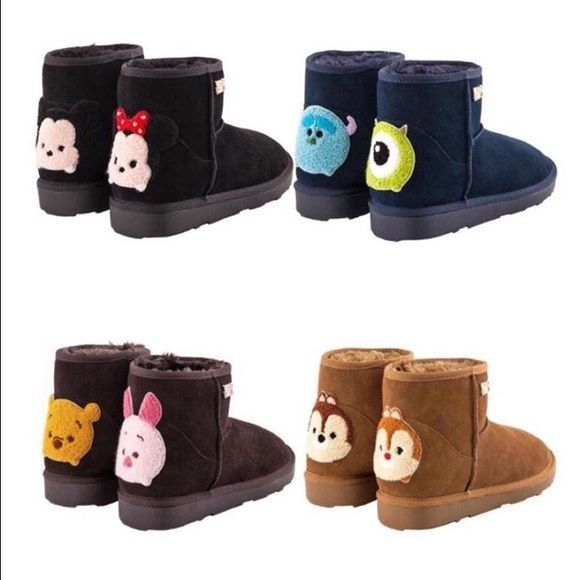Disney tsum tsum ugg suede short snow boots Pre-order. Comes with tsum tsum dust bag and shoebox. Let me know what size you're looking for, I'll see if I can get them! Grace Gift Shoes