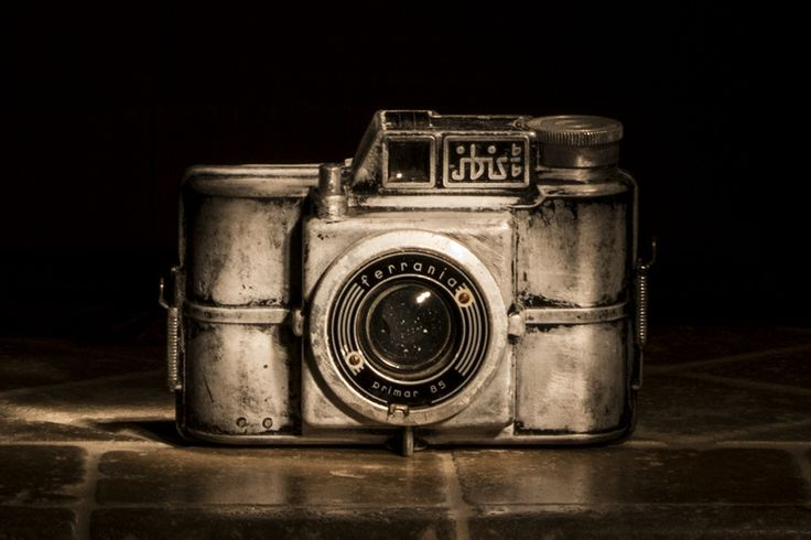 Vintage camera Ferrania Ibis | da Alessio Trafeli
