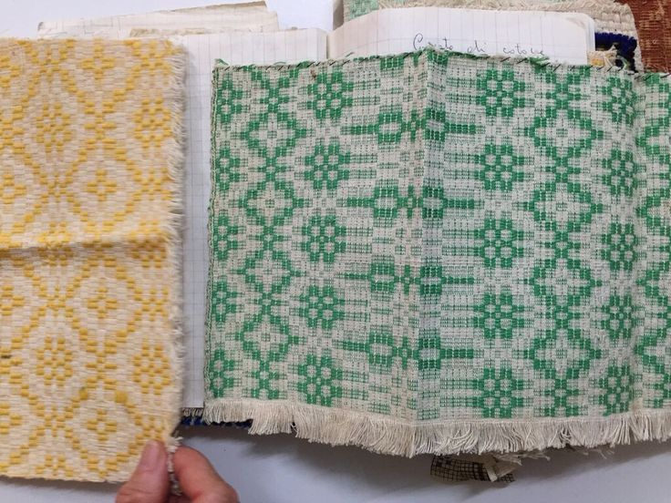 The bold contrast of colours (yellow, green, the most vivid blue, all obtained with entirely natural dyes) and the delicacy of the patterns amazed us.