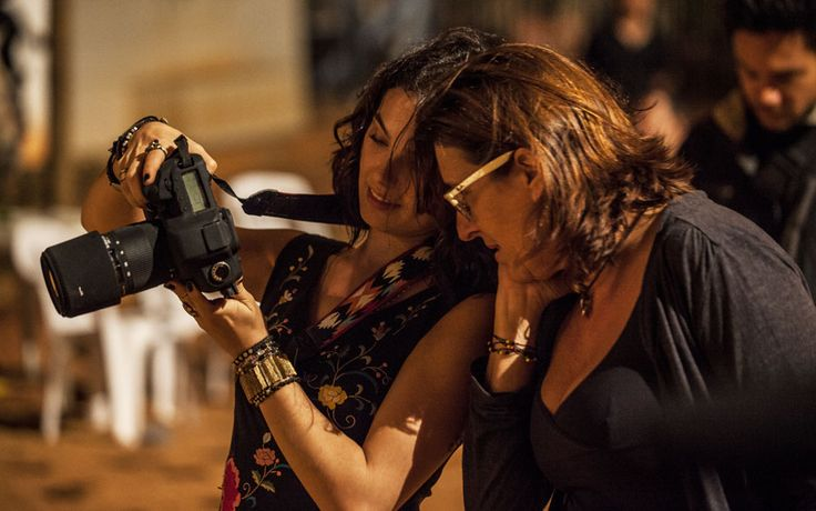 Isis Valverde mostra cliques feitos durante cena de Antônia | #AmoresRoubados TV Globo