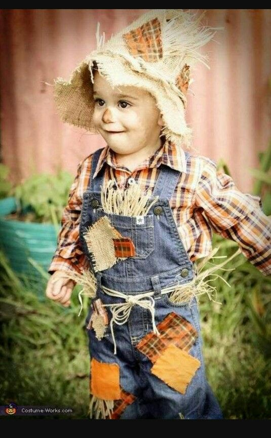 DIY Cute little boy scarecrow costume for halloween