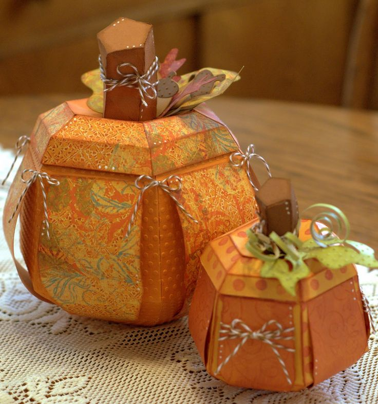 cute paper pumpkins just a picture. wish they had tutorial