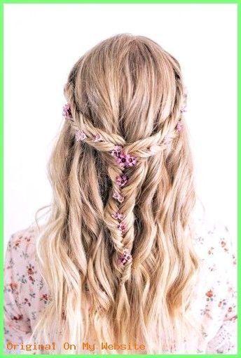 Prom Frisuren 2019 - süße Hochsteckfrisuren Bangs #promhairstylesforlonghair #promfrisurenhalb