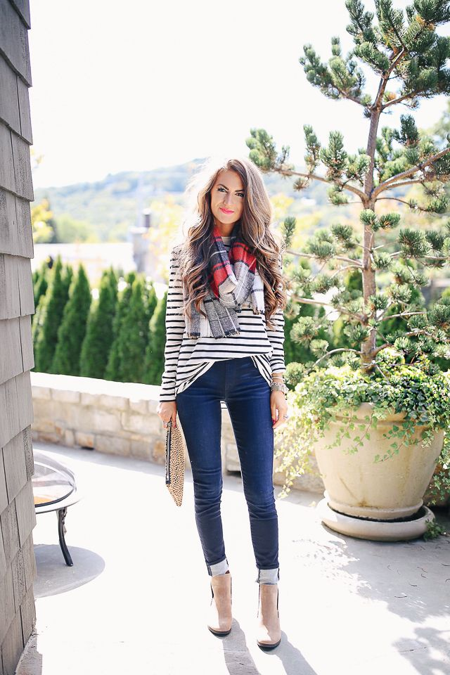 LOVE this fall outfit! stripes, plaid, skinny jeans, booties