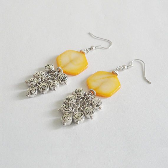 Yellow nacre earrings with charms sunny by LaPietraBluDiAvalon
