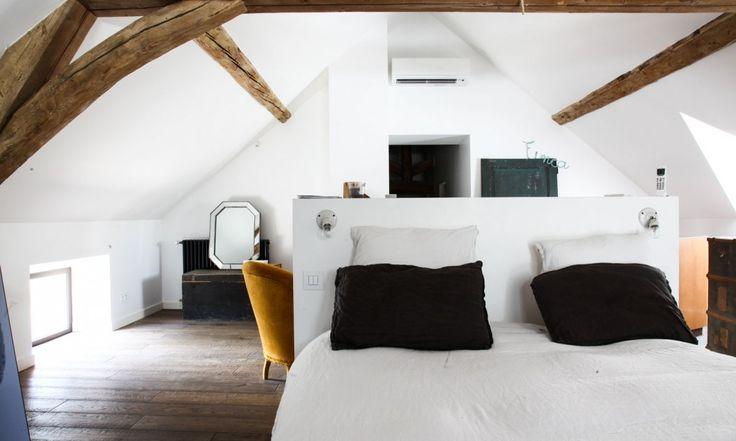 TheSocialite Family |Chambre sous le toit | #decoration #interieur #bedroom #thesocialitefamily
