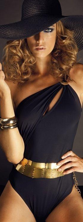 The Millionairess Of Pennsylvania/karen cox: Black and Gold   Swimwear, Edu Garcia