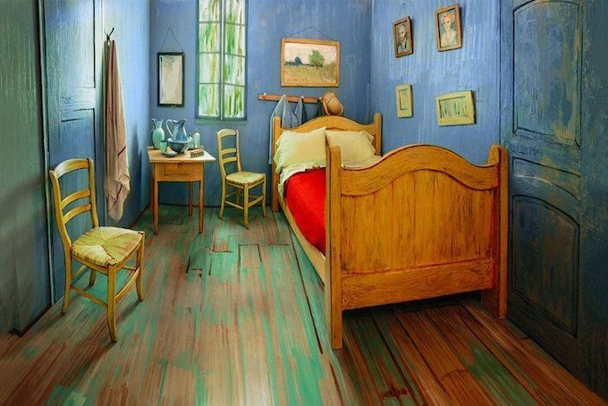 『シカゴ美術館』では現在、ポスト印象派の代表作家「Vincent Van Gogh(フィンセント・ファン・ゴッホ)」のベッドルームの絵画を展示中。ゴッホが過ごした南フランスのアルルにあった部屋を描いた作品たちだが、同館はこの展示を記念してゴッホの部屋を忠実に再現。「Airbnb」に宿泊施設としてリスティングしている。