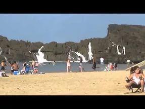 Огромные волны на пляже в Пуэрто-Рико - МирТесен