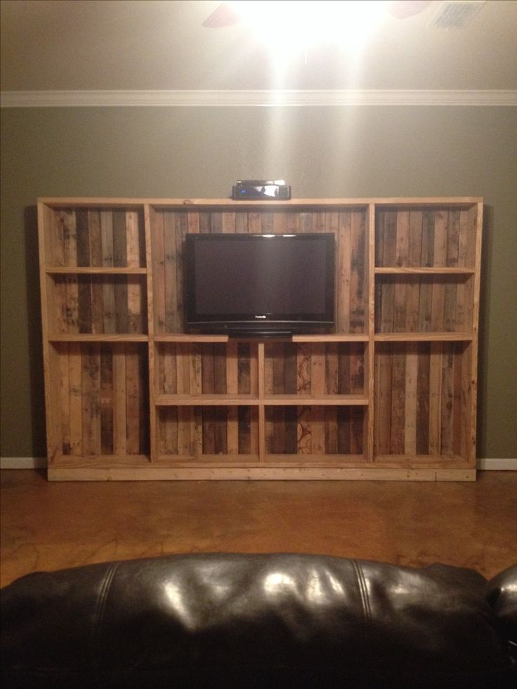 Diy pallet entertainment center home stuff pinterest be cool wood furniture and cabinets Wooden entertainment center furniture