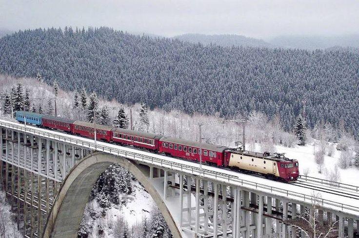 Caracău Viaduct (Harghita & Bacau County, Miercurea Ciuc - Ghimeș)  Photo: 92Dragos(flickr.com)   (Via: https://www.facebook.com/511395938922487/photos/a.511414015587346.1073741828.511395938922487/830758443652900/?type=1&relevant_count=1)