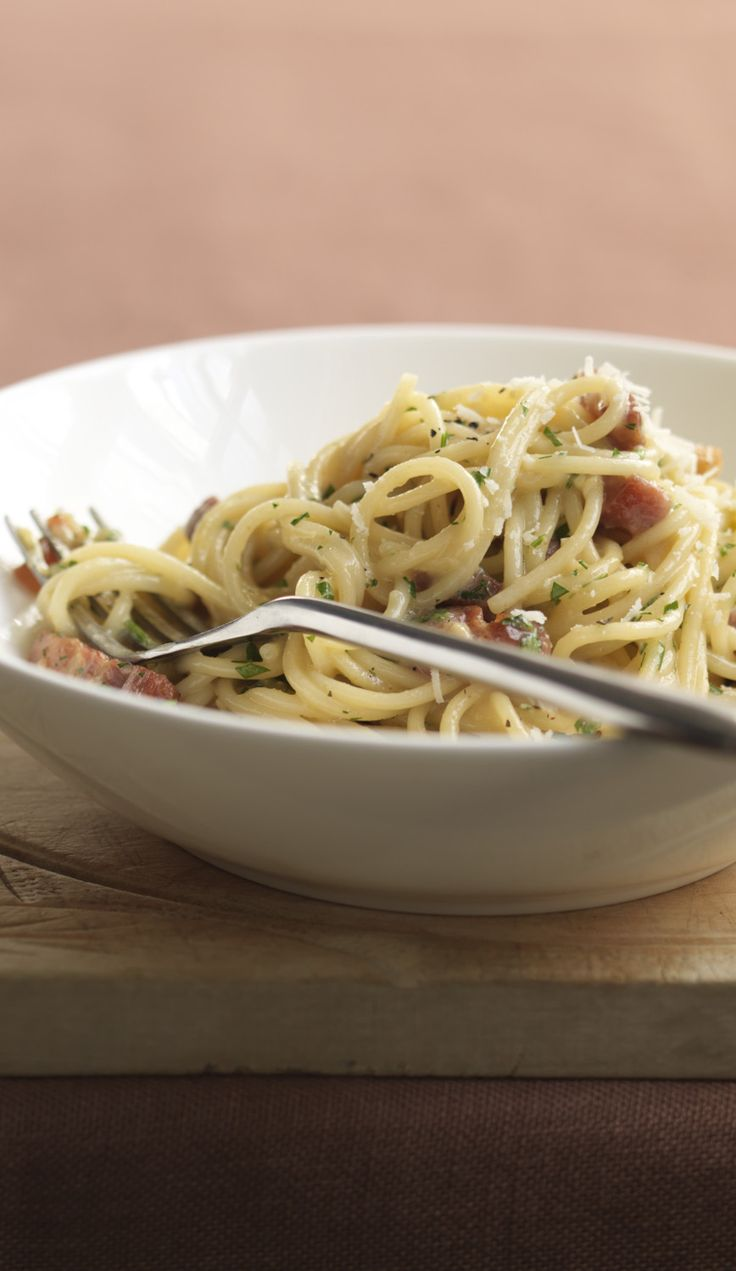 Comforting creamy spaghetti and bacon that takes 10 minutes.