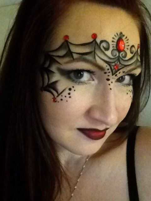 lovely halloween face paint - Female Halloween Face Painting